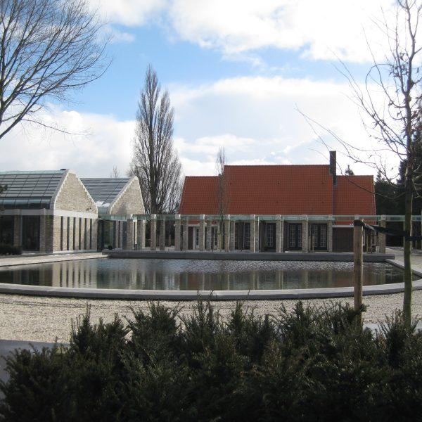 De Nieuwe Noorder ligt aan de Buikslotermeerdijk.  Adres:  Buikslotermeerdijk 83, 1025 WH Amsterdam
